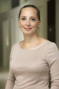 Dr Herceg Anita, biológiai fogorvos, természetgyógyász